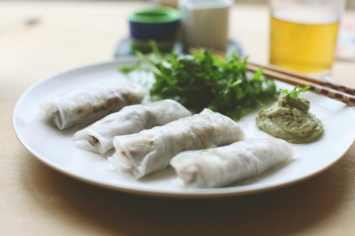 filet mignon spring rolls with pumpkin seed butter sauce